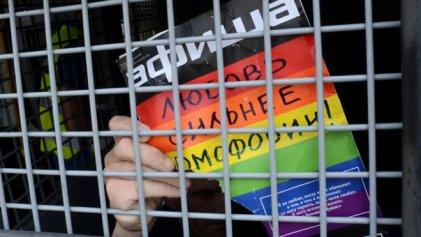[VIDEO] Denuncian que hay campos de concentración para homosexuales en Chechenia